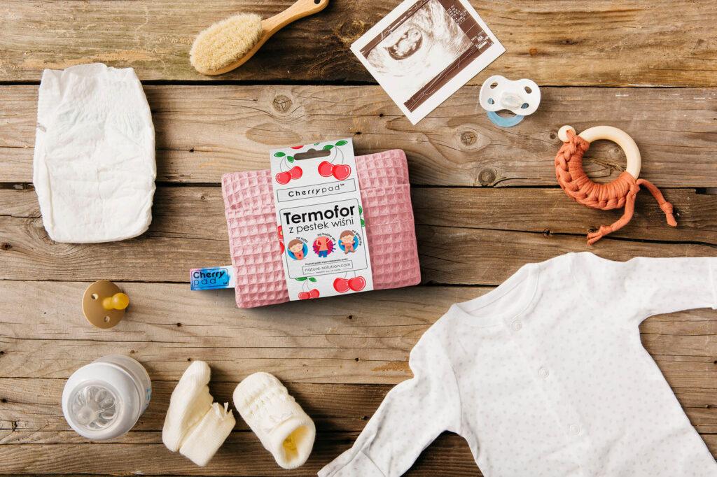 wyprawka dla niemowlaka termofor z pestek wiśni