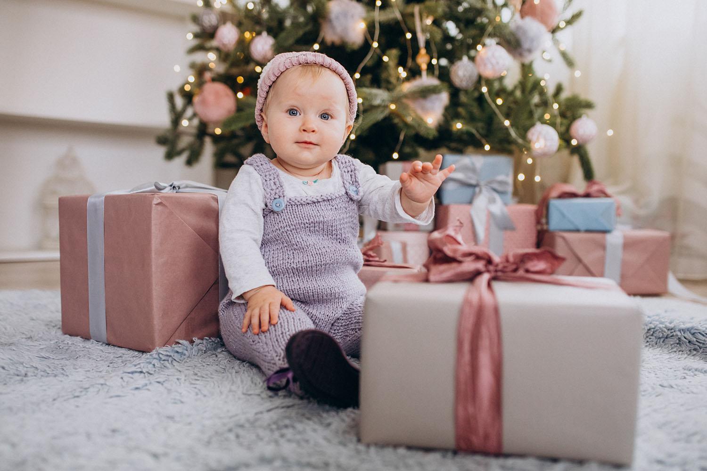 Najlepsze prezenty dla rodziców i dziecka po porodzie