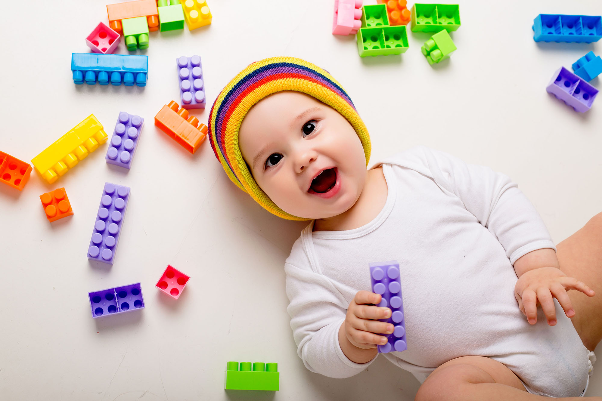 Jak wspierać rozwój mowy udziecka odpierwszych dni życia